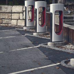 Por qué los vehículos eléctricos no tienen futuro y la solución del Neutrino Energy Group